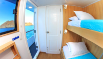 Aqua_upperdeck_twin_cabin2